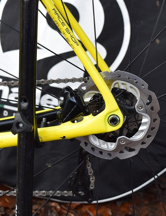140mm Shimano RT-99-A-SS center lock disc rotors were popular among some of the big names at Zeven