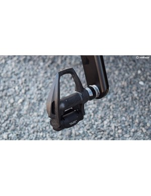 EF-Drapac use Shimano Dura-Ace R9100 pedals