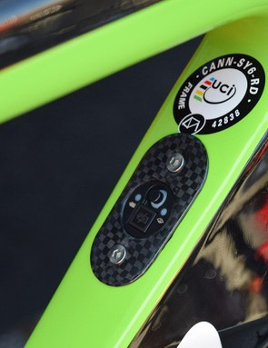 A carbon-framed Di2 junction port sits on the down tube of the frameset