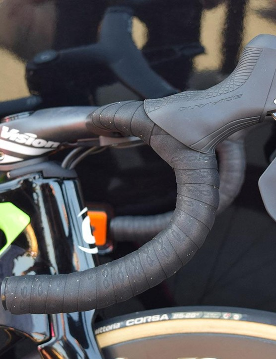 Shimano Dura-Ace R9170 levers do a good job of disguising any hydraulic functionality compared to the oversized levers of recent years