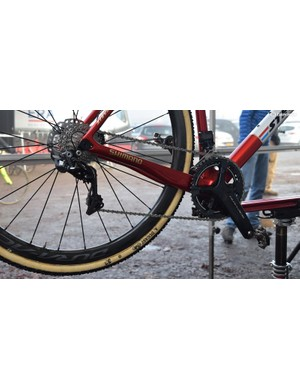 Van der Poel runs a Shimano Dura-Ace R9170 electronic groupset with hydraulic disc brakes