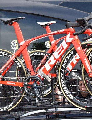 Kiel Reijnen paired his Madone Disc with Bontrager Aeolus XXX 4 wheels for stage 2 of the Criterium du Dauphine