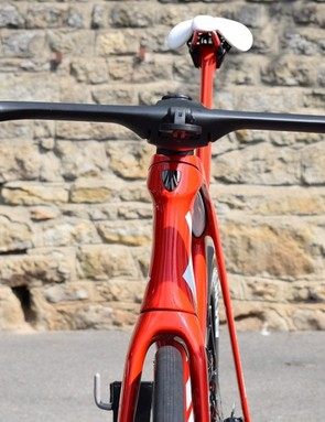 The Trek Madone Disc has the classic hourglass profile of an aero-specific head tube