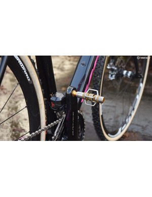Helen Wyman opts for Crankbrothers Eggbeater pedals