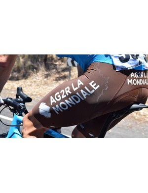 The sweltering temperatures left salt stains on the iconic team kit of AG2R La Mondiale