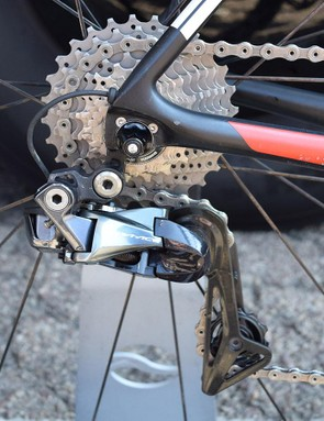 Minimal cabling to the Shimano Dura-Ace R9150 rear derailleur results in a tidy looking rear mech