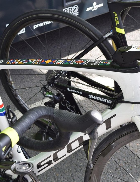Daryl Impey and Alex Edmonson were recently presented with their custom Scott Foil Discs
