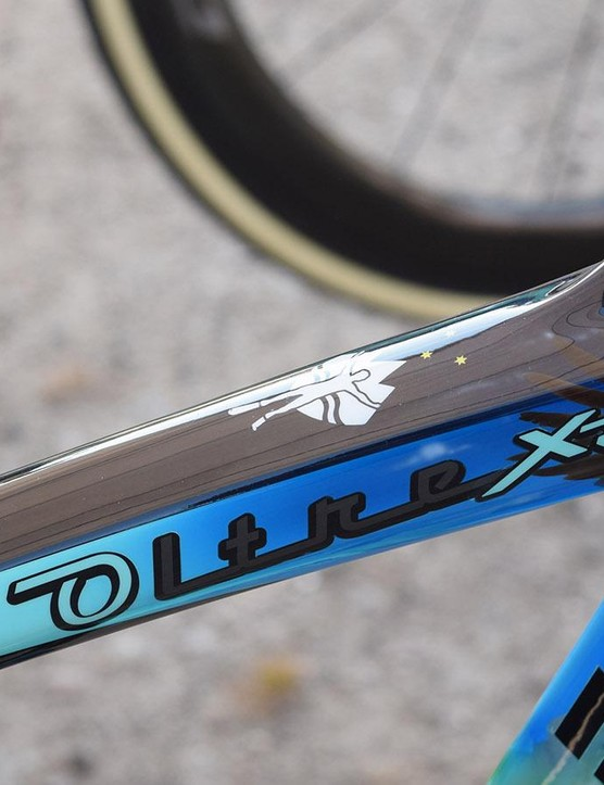 On the top tube of Roglič's bike is a silouhette of a ski jumper paying homage to Roglič's former career