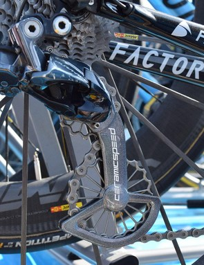 Romain Bardet's Shimano Dura-Ace R9150 rear derailleur features a 'Victory Edition' CeramicSpeed OSPW system