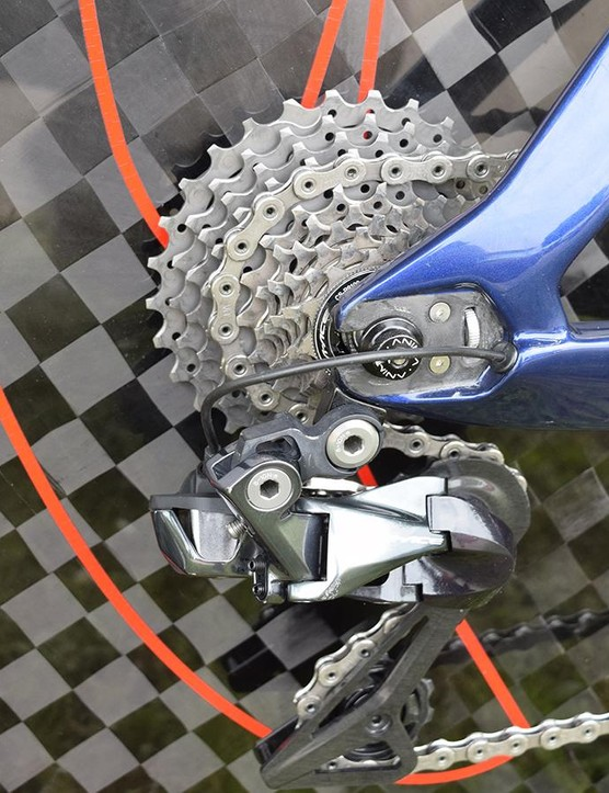 Unlike some WorldTour teams who choose to run Shimano Ultegra chains and cassettes, Nibali's time trial bike is equipped with Dura-Ace R9100 components