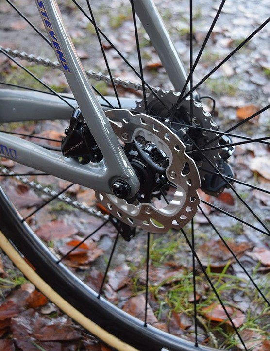 The former world champion runs 140mm disc brake rotors front and rear