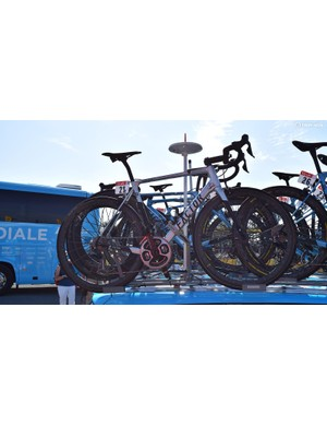 Bardet's custom bike sat on the roof of his team car for most of the opening stages, with Bardet opting for the aero-focused Factor ONE earlier in the race