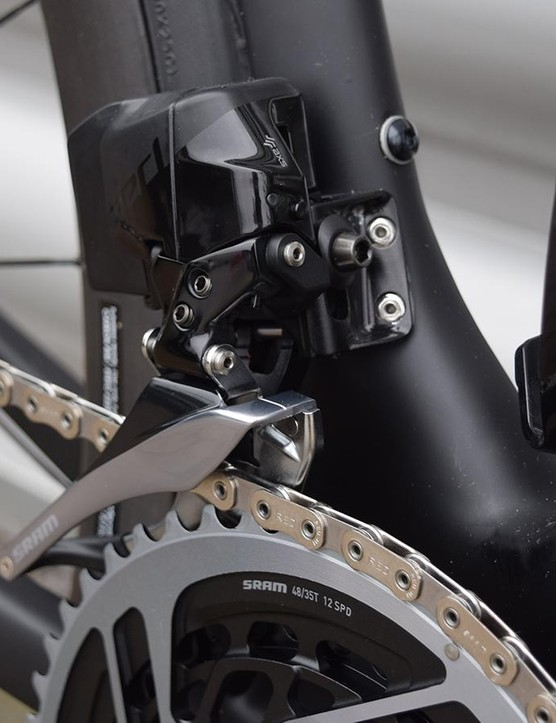 A closer look at the front derailleur
