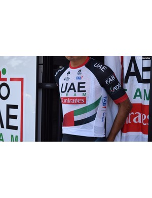 The Champion Systems jersey essentially features the same cut as a T-shirt with no zips or hidden straps