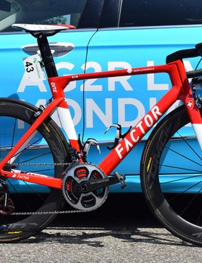 Silvan Dillier's custom painted Factor One in Swiss colours for the national road race champion