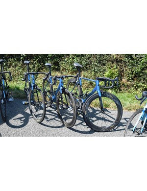 AG2R La Mondiale used specially painted Factor O2 framesets for the race