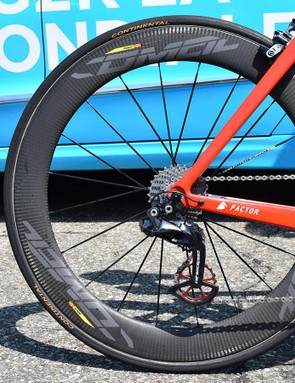 Dillier's aero machine is paired with Mavic Comete carbon wheels