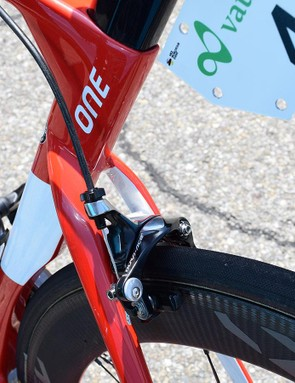 The Factor One uses direct mount Shimano Dura-Ace 9000 series brakes