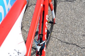 Another look at the split down tube design, which allows air to flow through the frameset