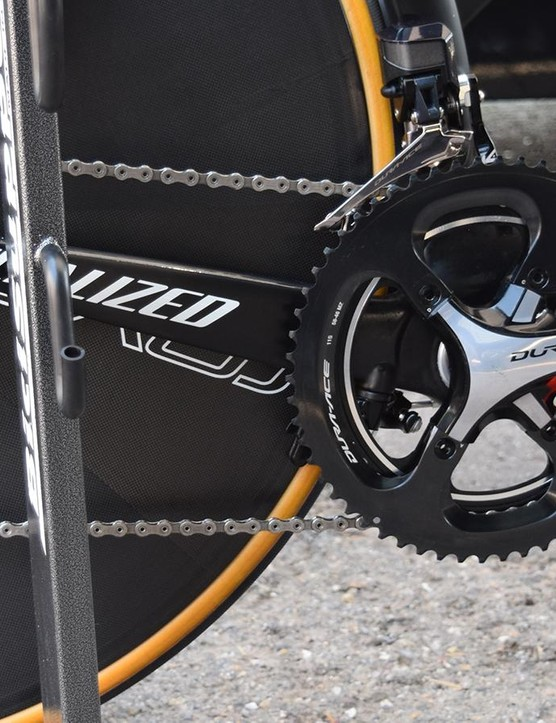 The bike's drivetrain uses a mix of Shimano Dura-Ace 9000 and R9100 series components