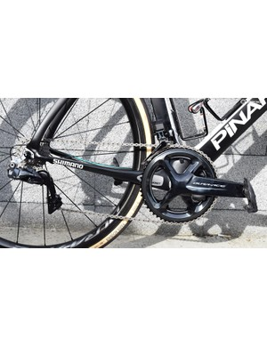 Thomas' bike is equipped with a full Shimano Dura-Ace R9150 groupset
