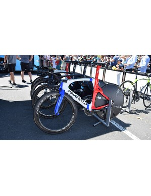 Geraint Thomas rode the stage aboard his newly painted Pinarello Bolide in custom colours for the British time trial champion