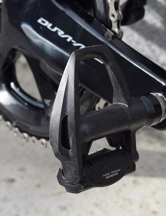 The majority of Team Sky use Shimano Dura-Ace R9100 pedals, however Owain Doull opts for Speedplay pedals