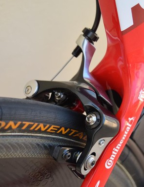 SRAM doesn't yet produce direct mount brakes, so Katusha-Alpecin opt for de-badged Shimano Dura-Ace 9000 series calipers