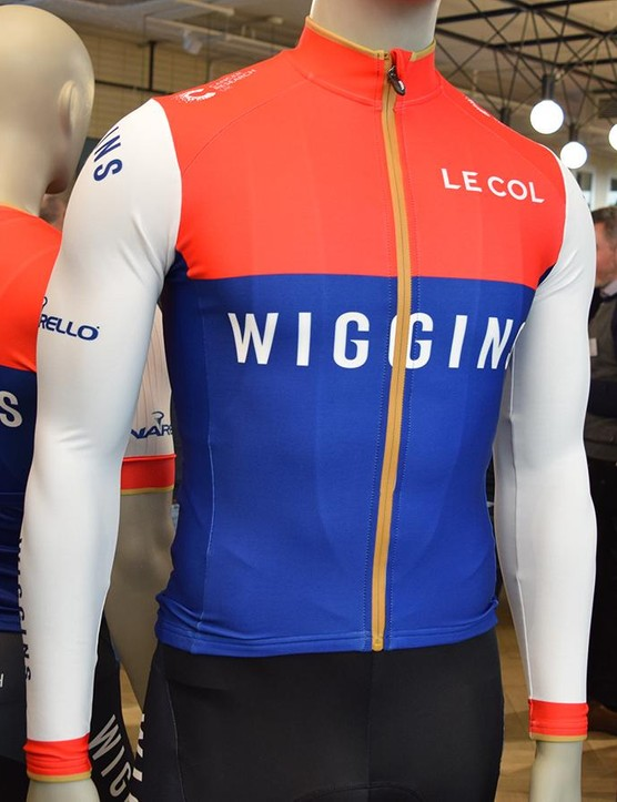 The long sleeve jersey features a full length zipper