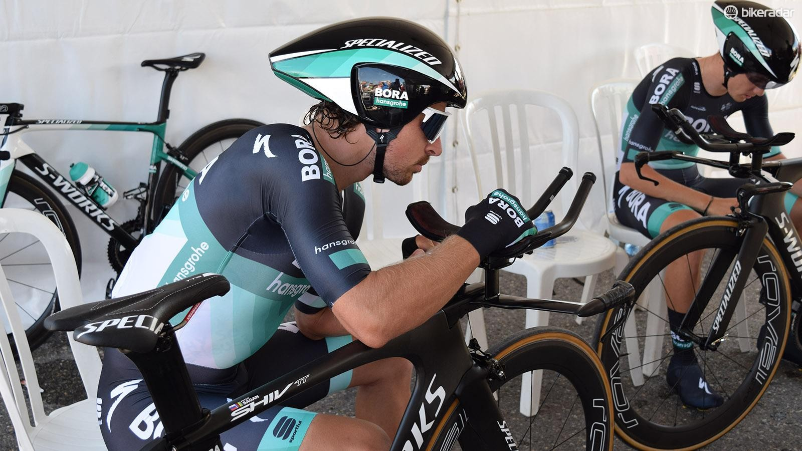The world champion on the road pairs his power meter ahead of his team's effort