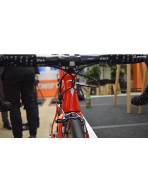 The head tube on the Pinarello Dogma F10 features an hour glass profile, a common feature on aero specific framesets