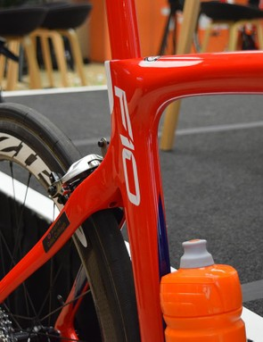 Flashes of navy blue also appear on the frameset