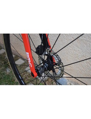 The bike is equipped with 160mm disc rotors on the front wheel
