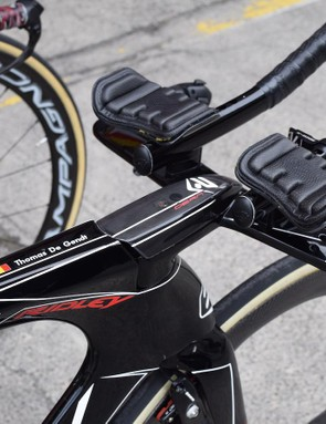 The Ridley Dean Fast features a carbon cockpit that can be adjusted in width, stack and reach