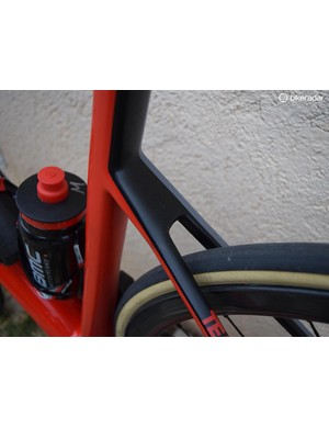 Disc brakes result in clean seatstays and fork crowns