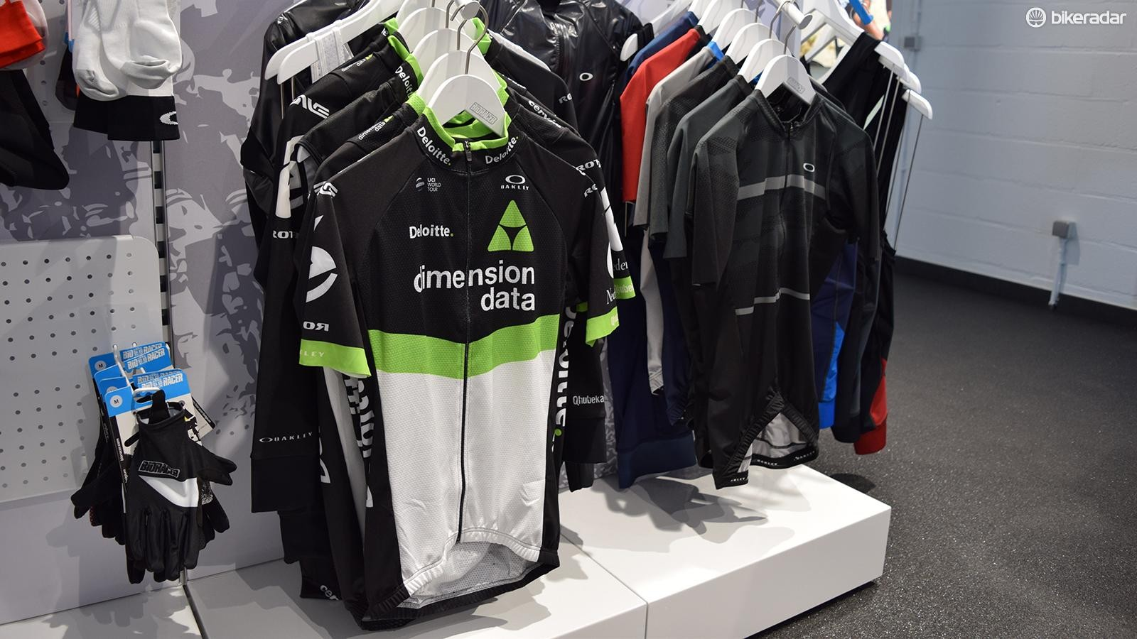 As well as its own clothing range, Bioracer produces cycle clothing for Oakley, used by Team Dimension Data