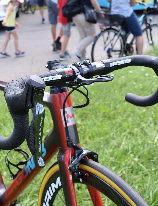 The FSA cockpit is paired with Shimano Dura-Ace R9150 levers and Prologo handlebar tape