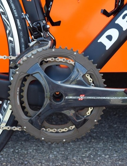 Cunego ran a 53/39 Campagnolo Super Record crankset with no power meter