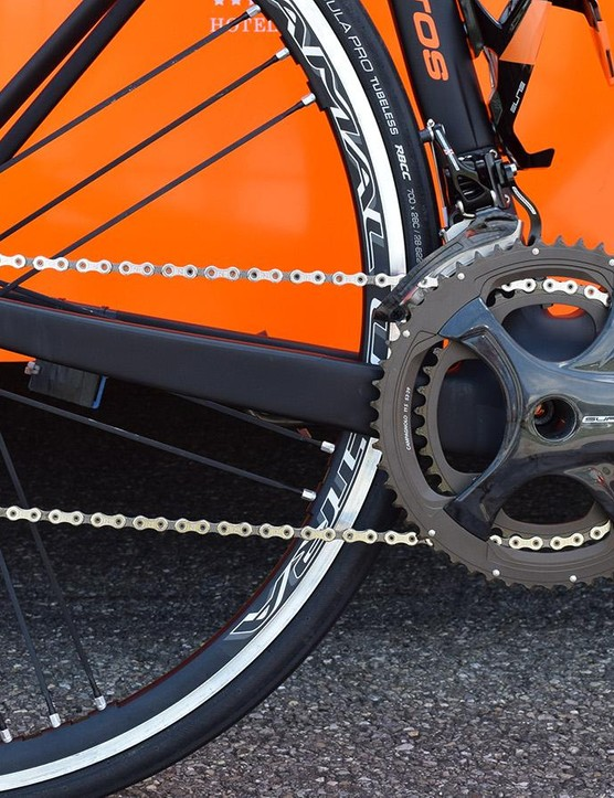 Cunego's De Rosa was equipped with a mechanical Campagnolo Super Record drivetrain