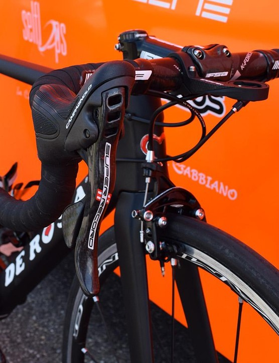 Campagnolo's Super Record levers control the braking and shifting for Cunego