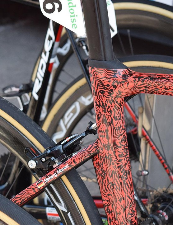 The frameset appears to have direct mount brakes front and rear