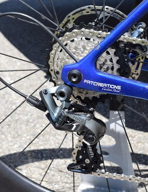 The team uses SRAM Force 1 mechanical rear derailleurs, with a clutch system to prevent chain slack