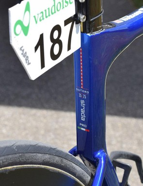 Tiny star/stripe detailing features to the rear of the seat tube