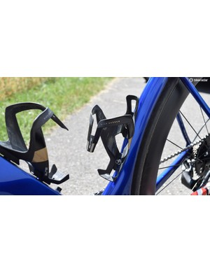 Aqua Blue Sport opts for Elite Vico Carbon bottle cages
