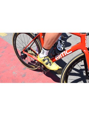 Stefan Kung wore yellow Suplest shoes for the stages he was also wearing the yellow jersey, before switching to red shoes later in the race