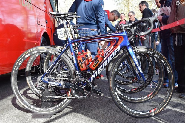Haussler raced aboard a Merida Reacto, while the rest of his Bahrain-Merida teammates raced aboard Merida Scultura framesets
