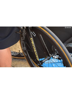 Sagan's S-Works Shiv TT received yellow decals to celebrate his yellow jersey
