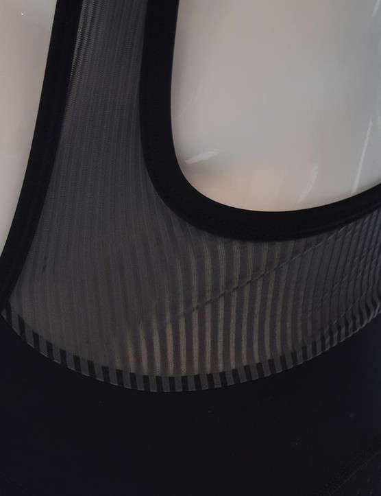 A closer look at the striped mesh that sits on the bib straps