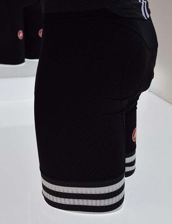A closer look at the bands on the thighs of the Castelli Sanremo 4.0