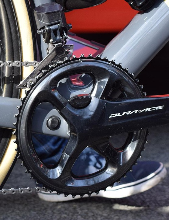 As with many riders for the race, Van Avermaet used 53/44 chainrings alongside a Shimano Dura-Ace R9100-P crankset